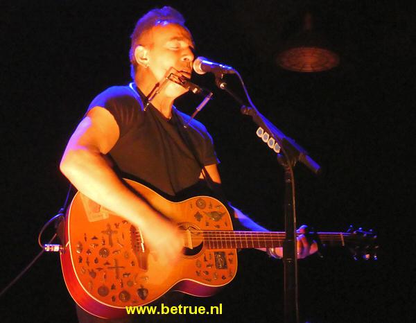 Springsteen speelt 'The Ghost of Tom Joad' op Broadway.