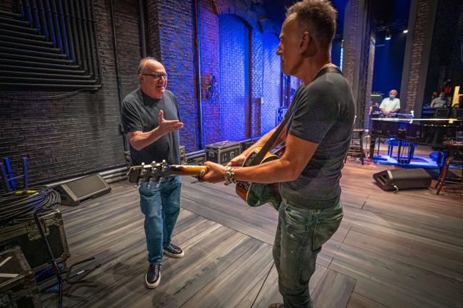 Jon Ladau en Bruce Springsteen in het St. James Theatre